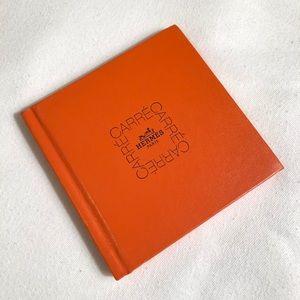 Hermès Le Carre-Scarf Tying Book